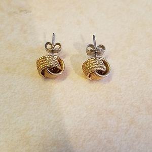 Gold knot earrings